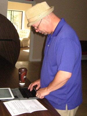 IMG_0966 Pastor Matt & the computer_1